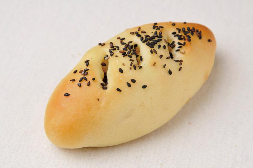 376_さつまいもパン_1